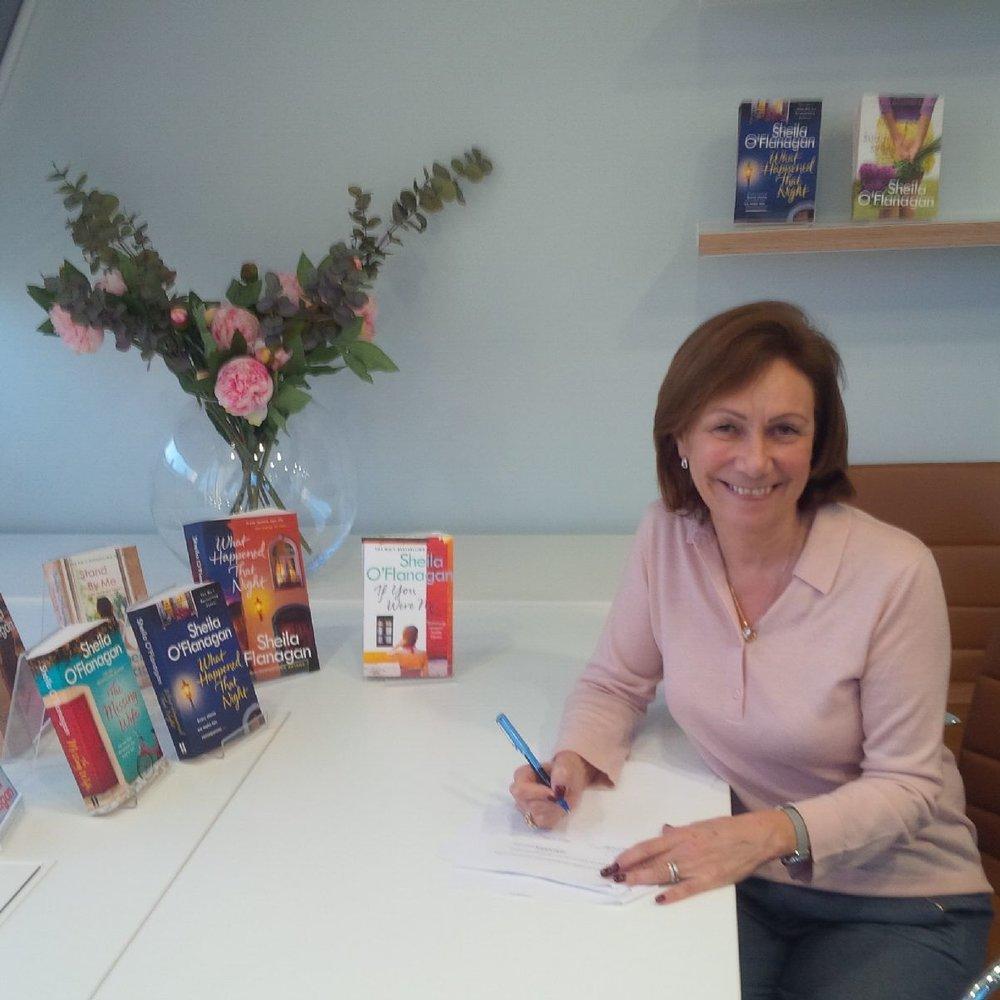 2018 01 29 Sheila O'Flanagan Headline Sheila Signing.jpg