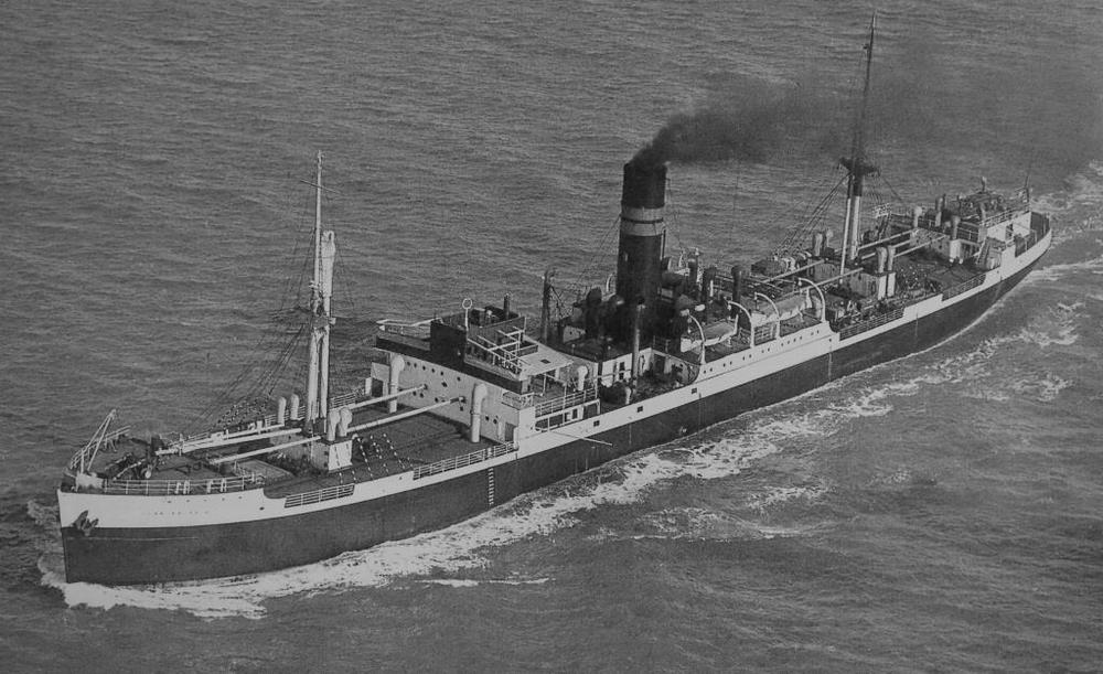 Clan Macnair  post-war, with her peacetime paint scheme and extended funnel. She was scrapped in 1952.