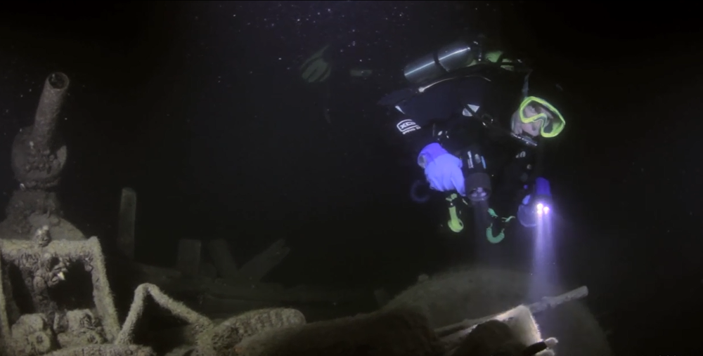 David Gibbins at night on the wreck of the Alice G, Tobermory, Canada. Click on the image to see the film of this dive (photo: Alan Gibbins).