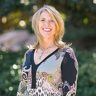 Lori Steele Contorer