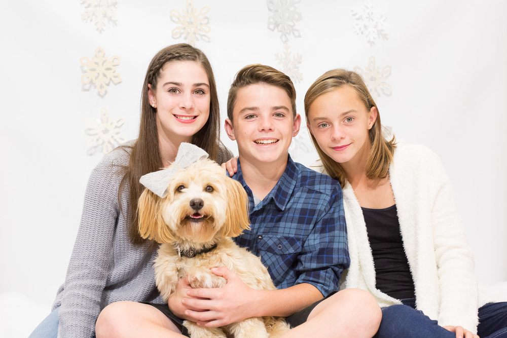 family-photo-session-for-holidays-photographer