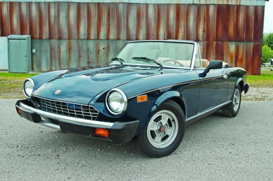 1979 Fiat Spider 2000.jpg