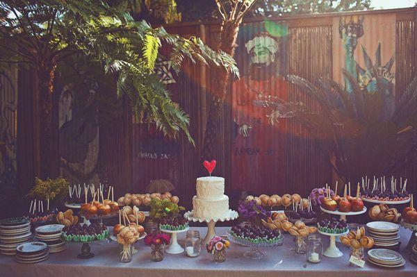 wedding-desserts-cakes-tables-08.jpg