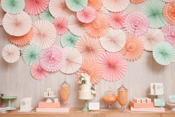 Peach-and-Mint-Dessert-Table-600x400.jpg