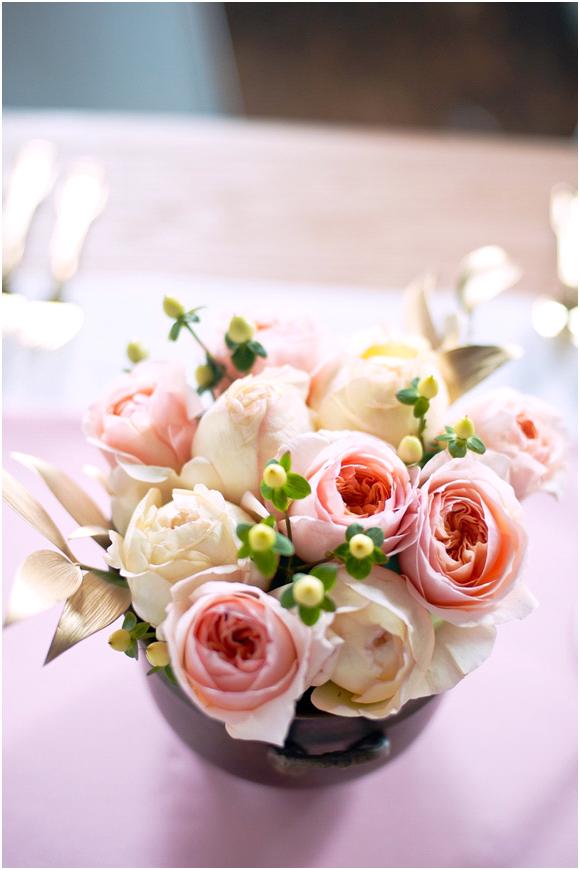peach-wedding-flowers-reception-centerpieces-summer-wedding-ideas-inspiration.original.png