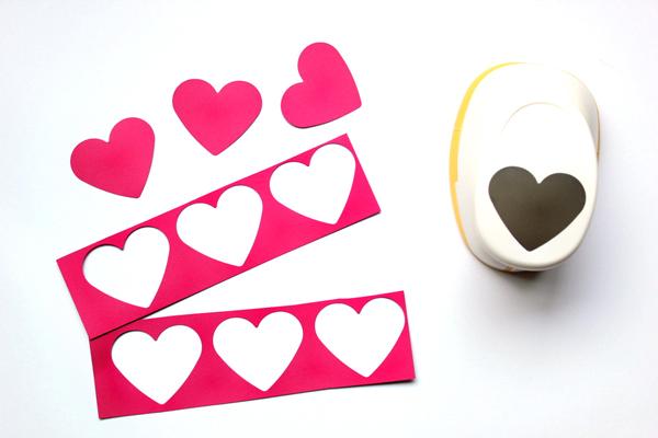 diy-heart-photobooth-1.jpg