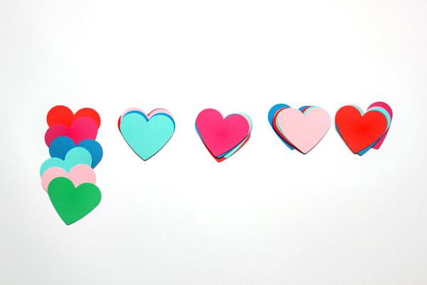 diy-heart-photobooth-3.jpg