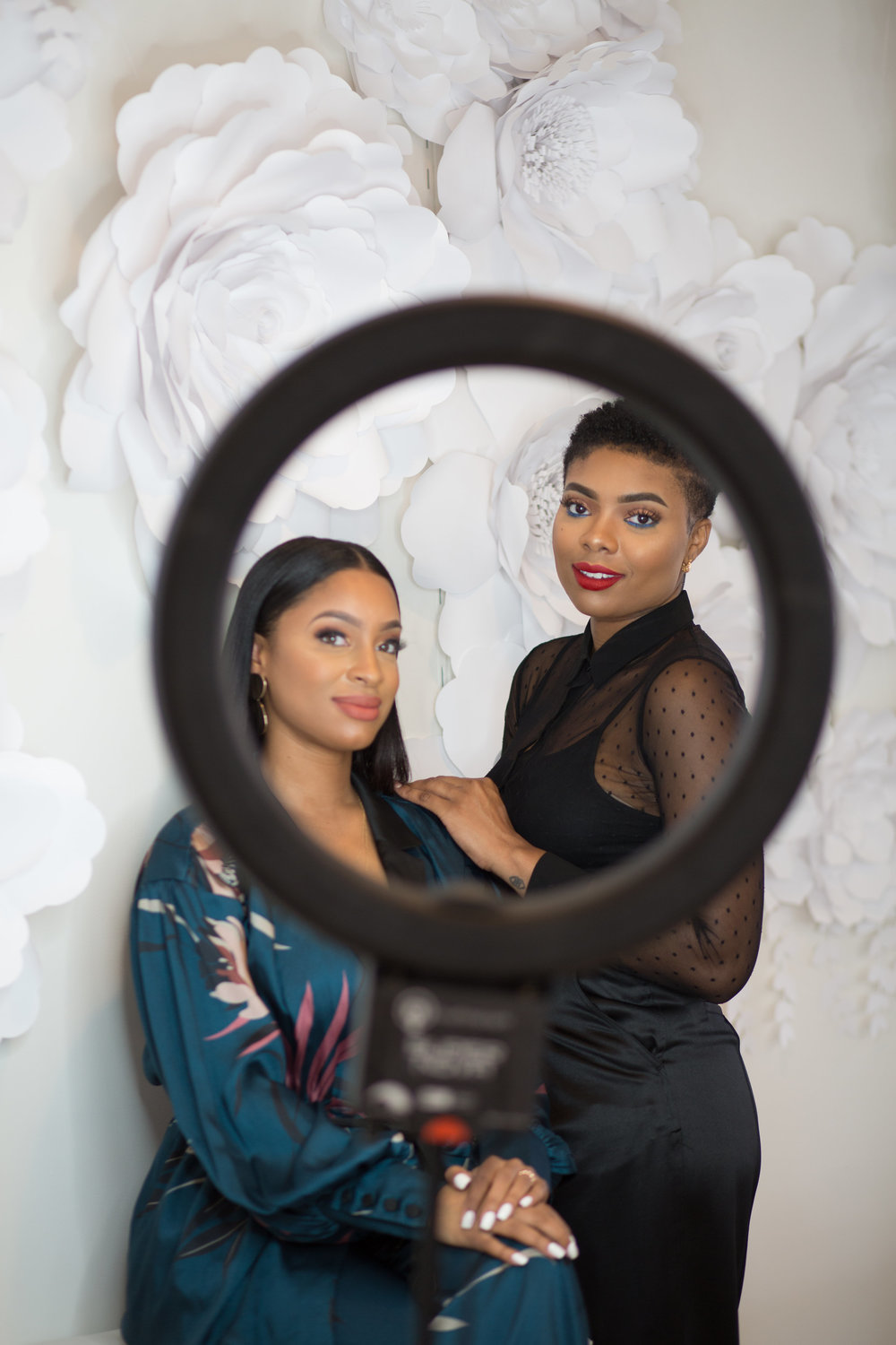#ABxNL - I'm excited to announce the @newluxx and @akilahthebeauty collaboration. Akilah is a makeup artist based out of Maryland. Her style is described as unpredictable and she is inspired by her mood!