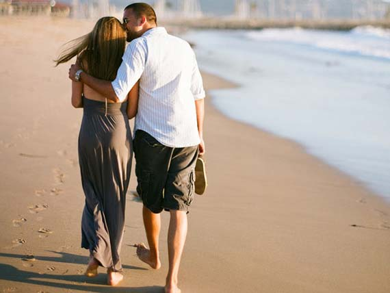 Totally-Harmonic-Beach-Engagement-Photography-Concept.jpg