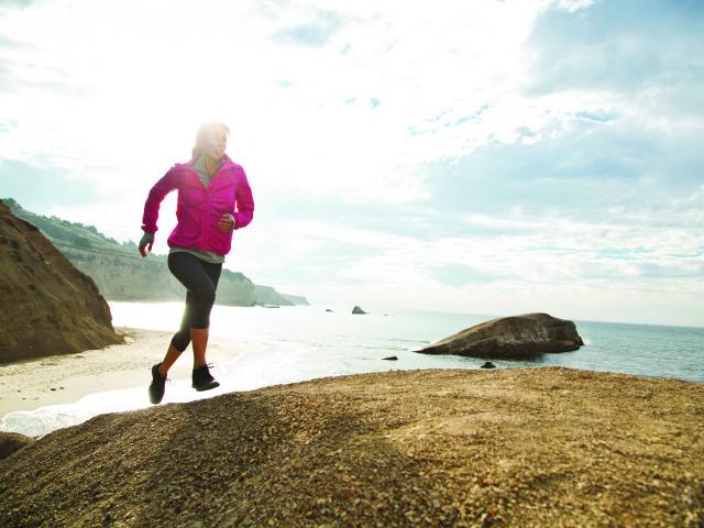 roxy_outdoor_fitness_model_running__medium_4x3.jpg