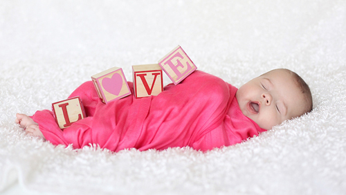swaddling-love-valentines-day-photography_zpscbe66f5c.jpg