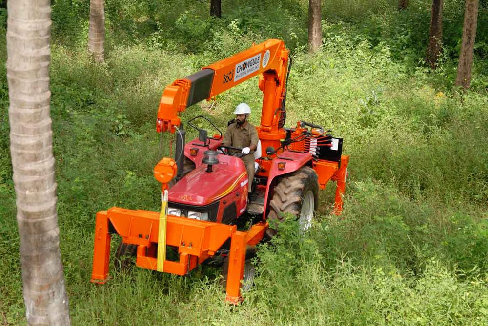 Tractor Crane Off-road access