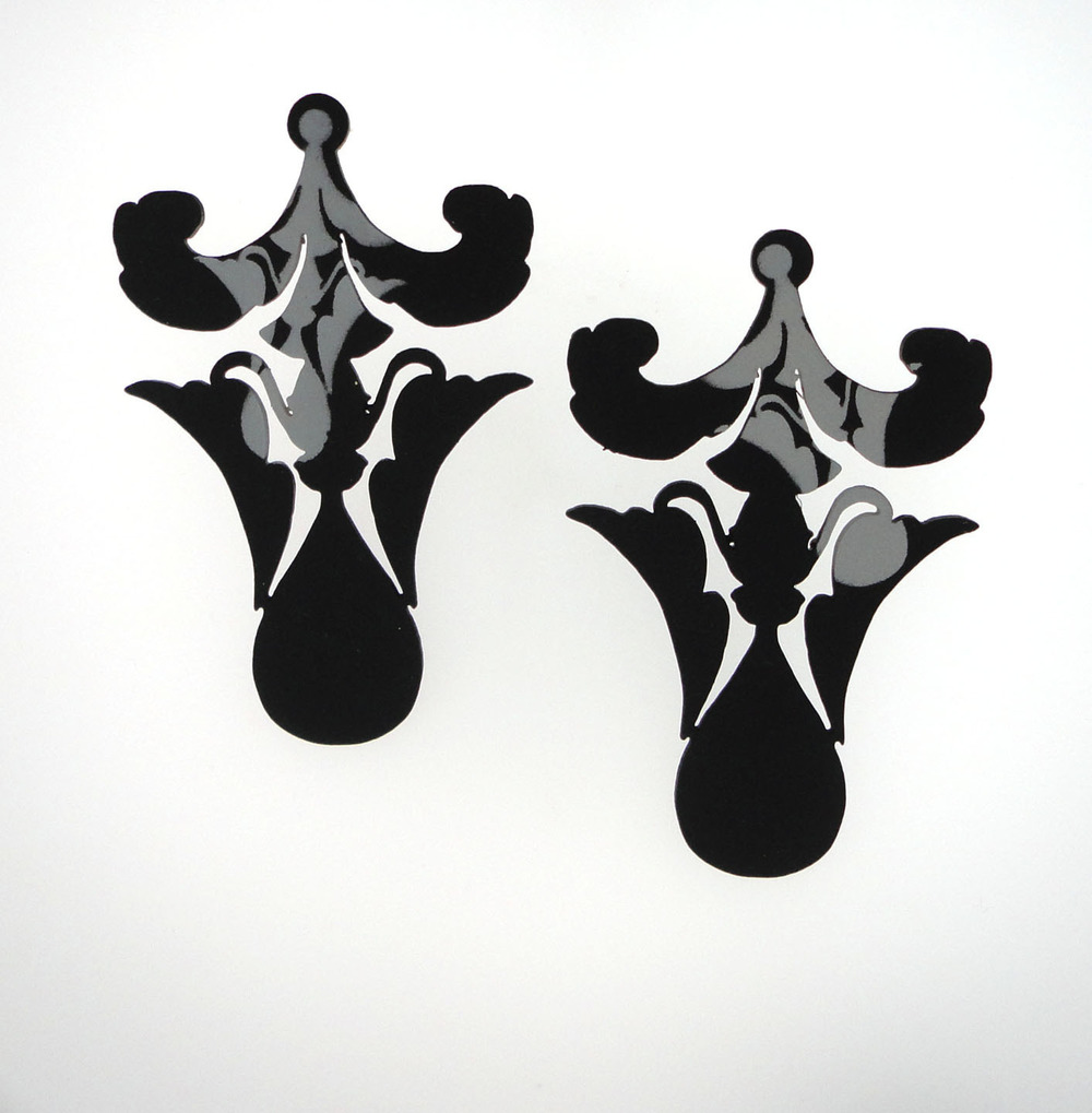 EE10 Kedinger, R.: Large Floret Post, Black:Grey_Earring_2012.jpg