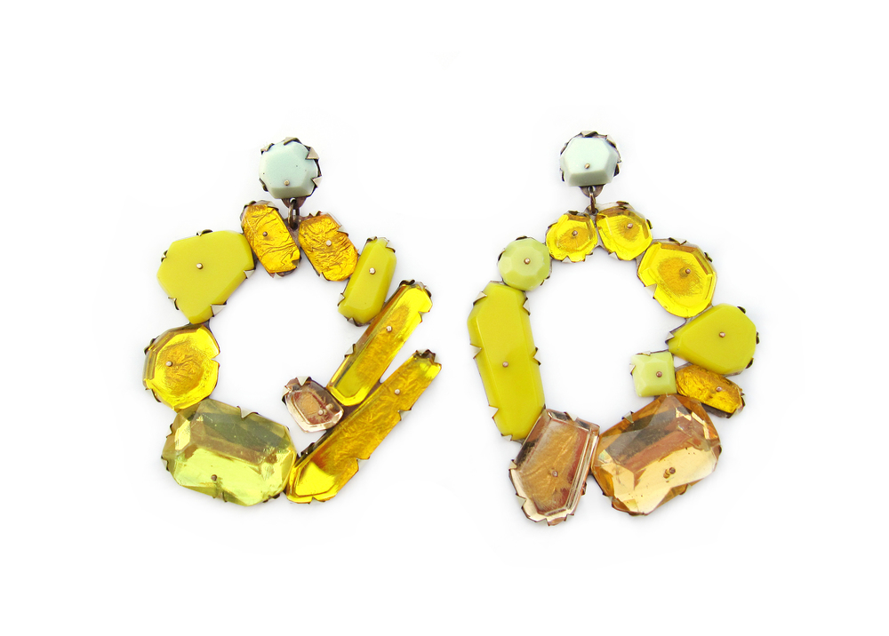 E5 Couppee, Nikki oval of different size yellow gemstones.jpg