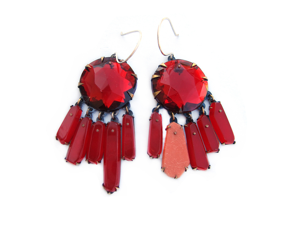 E7 Couppee, Nikki large ruby with hanging red stones.jpg
