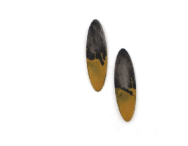EE10 Cole, Kat large steel oval with yellow enamel at bottom, on post.png