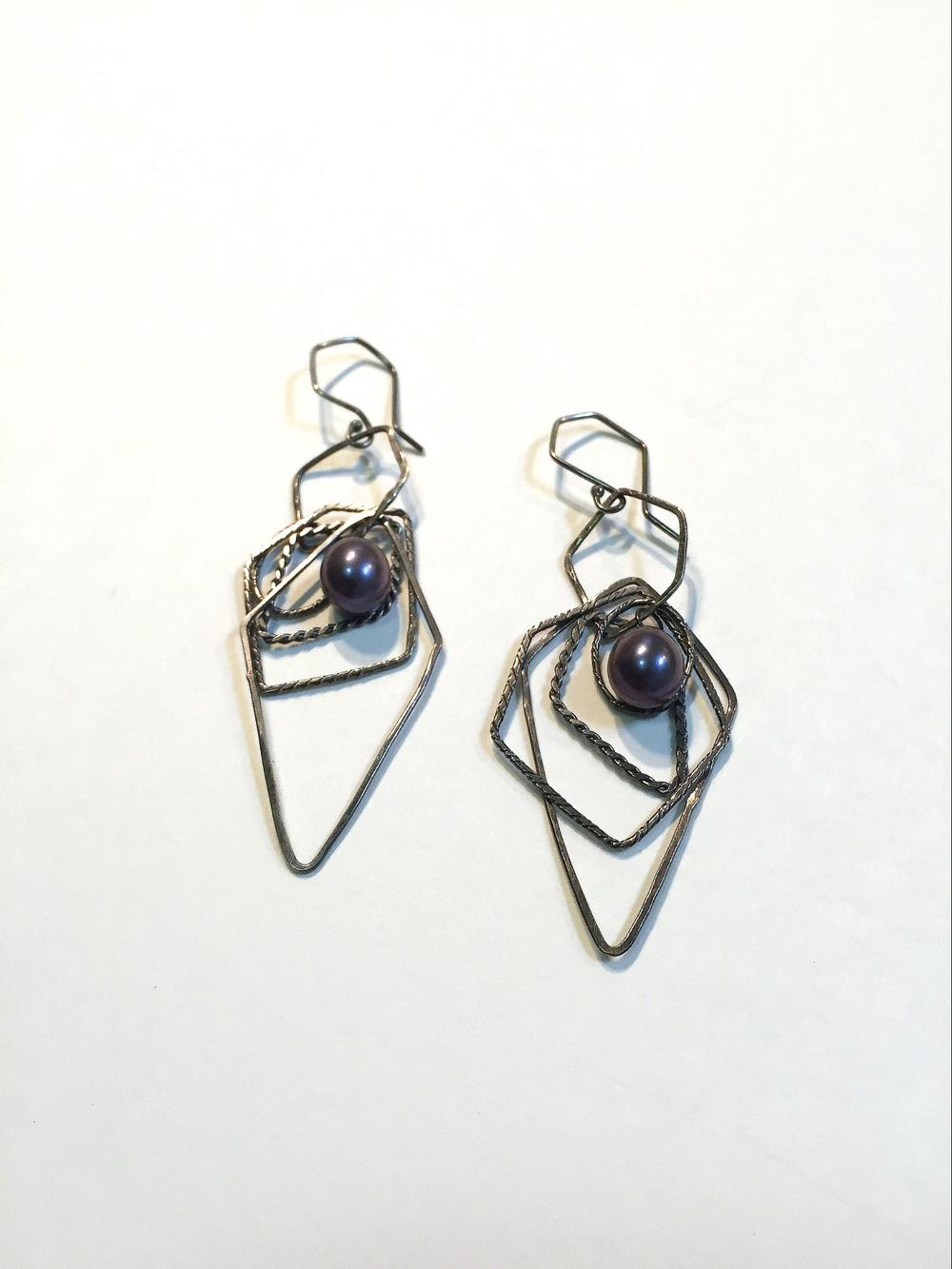E3 Graff, Missy (MG3) single oxidized hoop with 4 oxidized hoops attached, dark blue freshwater pearl attached.jpg