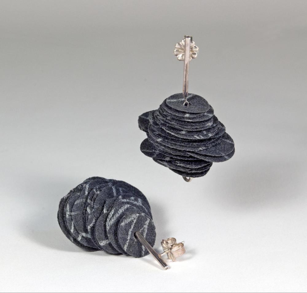 E1 Kresse, Alice (black) stack of black handpainted polyester discs, sterling silver.jpg