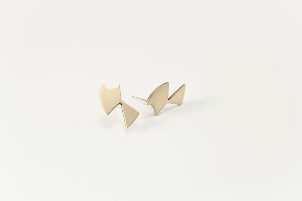 E8 Snell, Lindsey (08) small brass & sterling silver badge cutout, geometric shapes.jpg