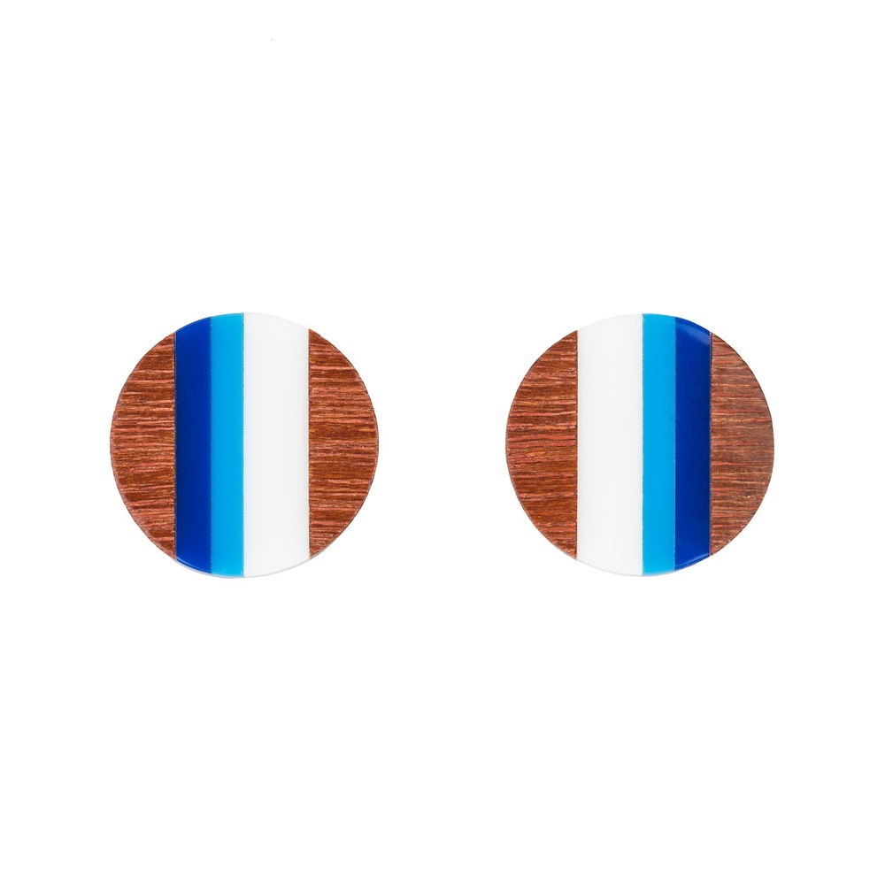 E3 Taylor, Kate small circle of wood with blue & white.jpg