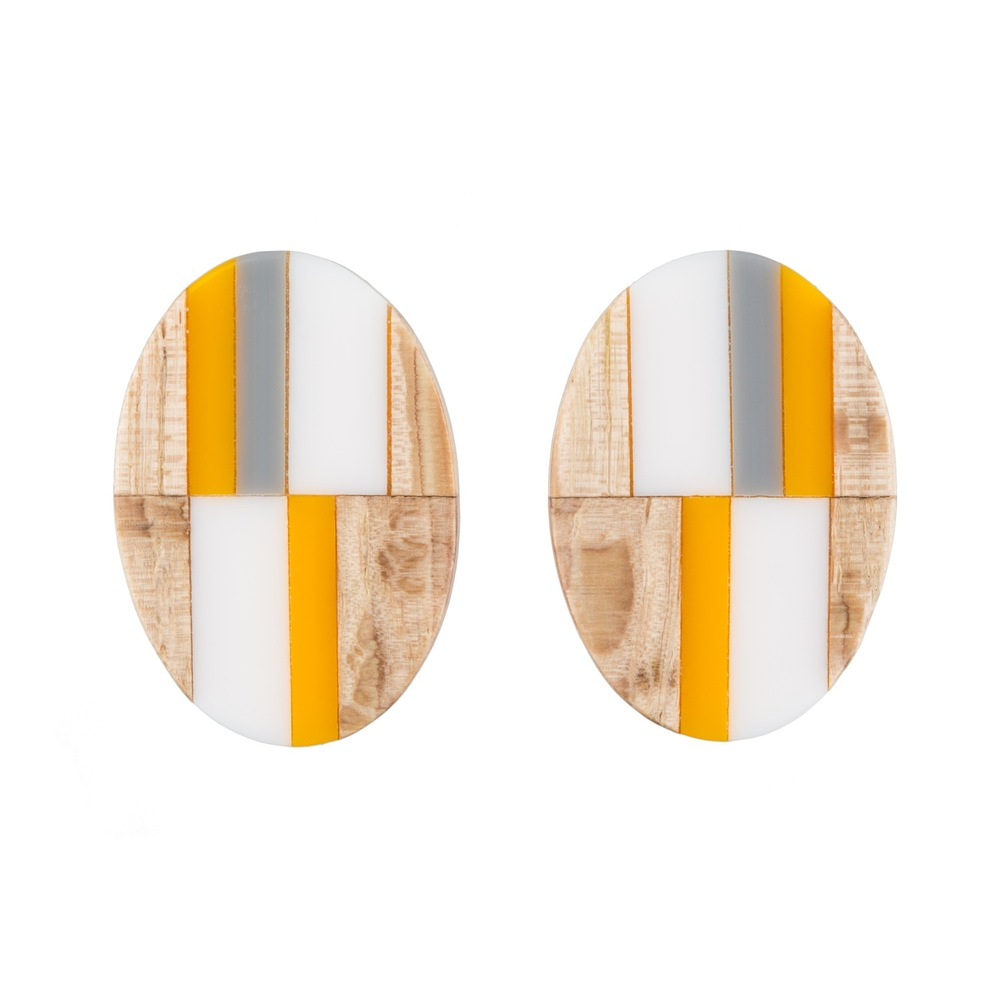E5 Taylor, Kate wooden oval with yellow, gray & white.jpg