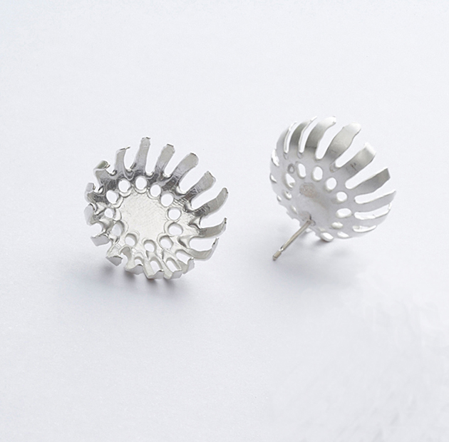 E2 Vlahos, Anna silver floret earrings on post, small round.jpg