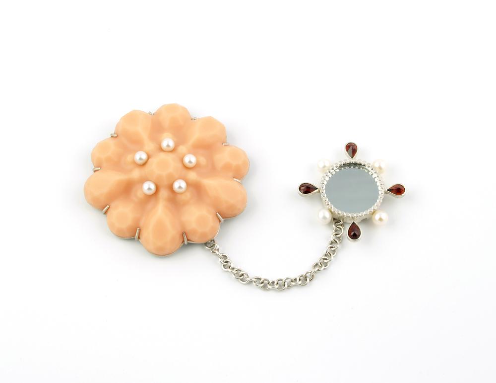 fleshgem brooch #1