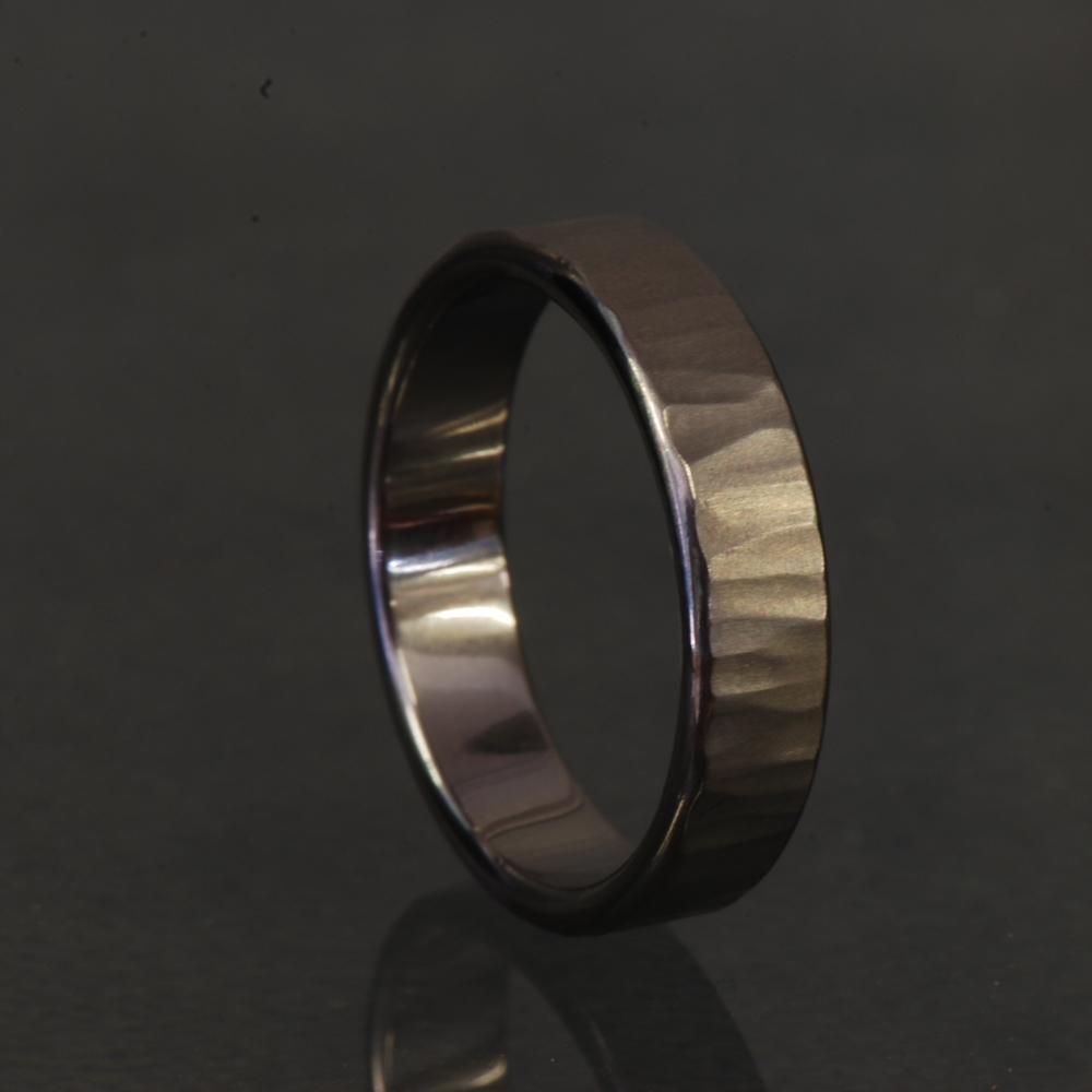 Titanium Gents Wedding Band Straight Hammer