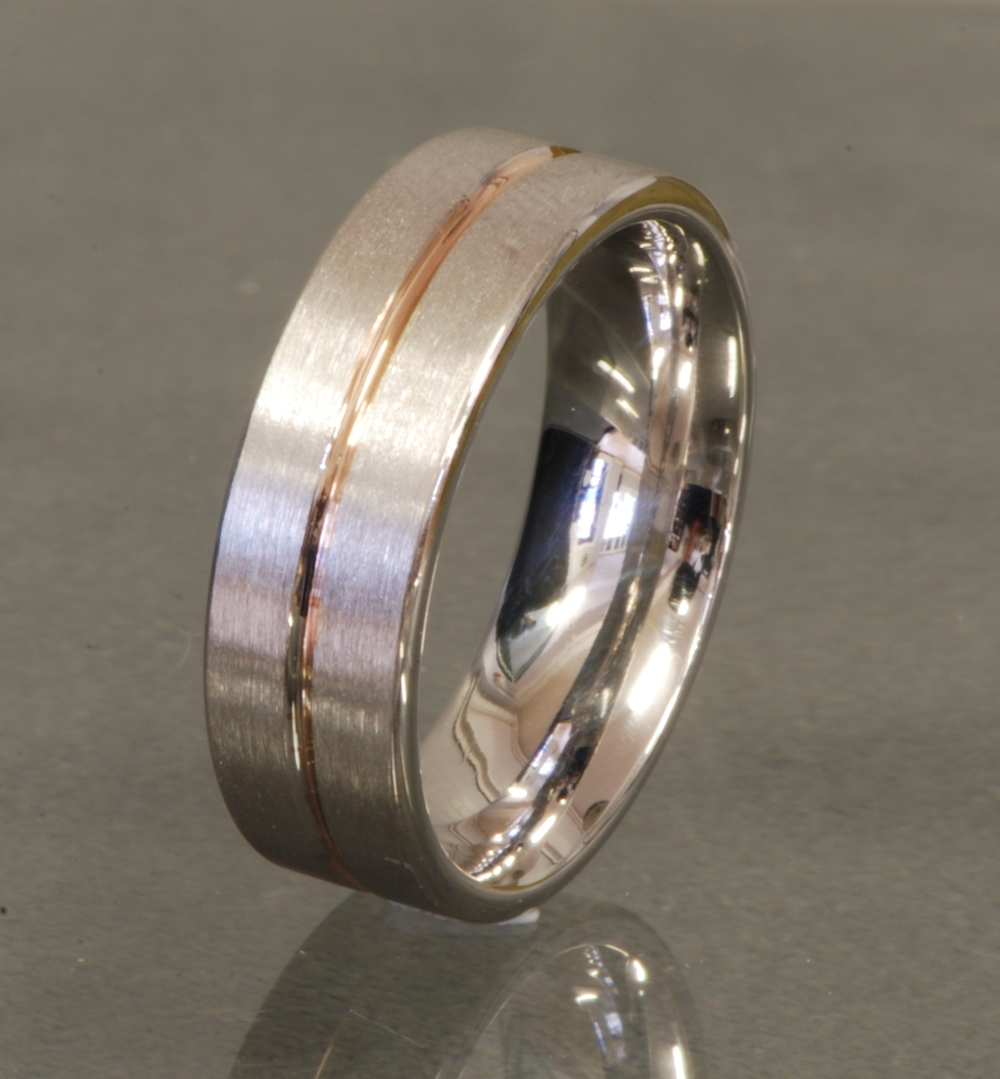 18ct white gold/rose gold wedding band