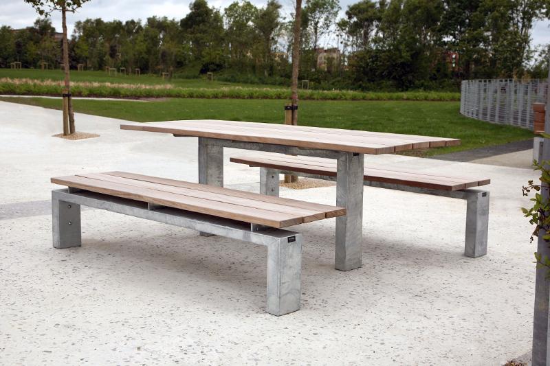 s96w picnic set