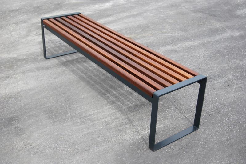 s22 bench