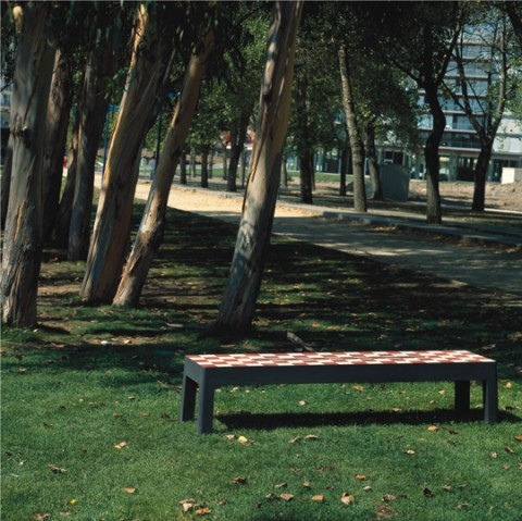 lugar_verde,_base_betão_negro_+_topo_azulejo_pérola_-_vermelho.jpg