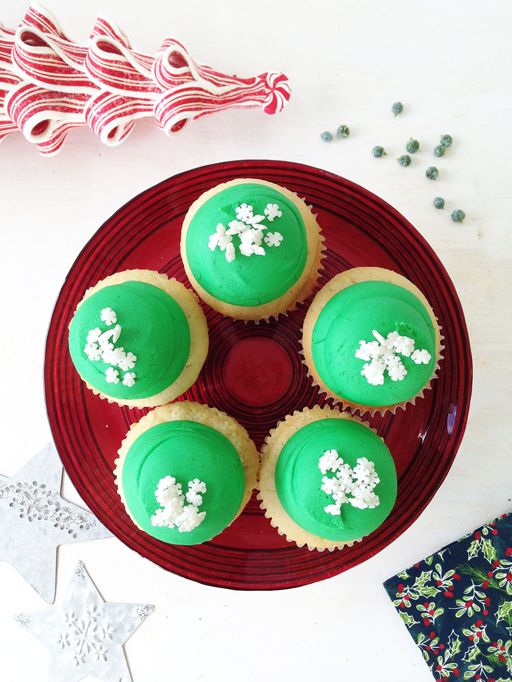 Vanilla Snowflake Cupcake - Regular $3.35 each