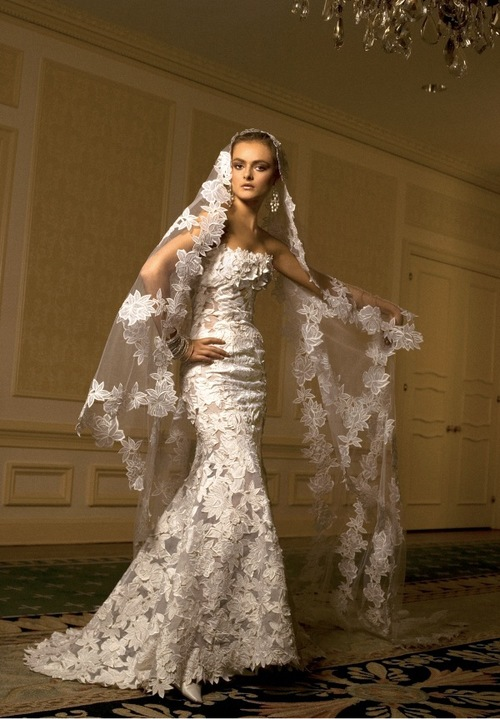 ST. PUCCHILovely in Lace-St. Pucchi Sample Sale Gowns