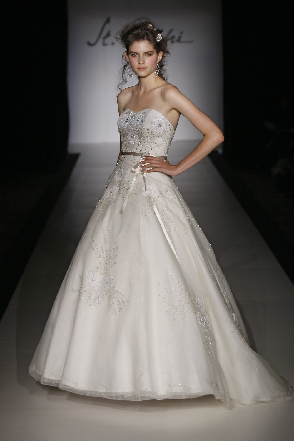 St. Pucchi Couture - Style 9379