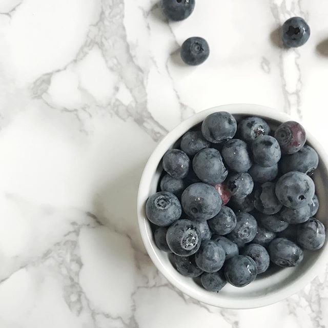 Getting all the inspiration from the colors on these blueberries. Nothing says summertime like fresh fruit  and afternoon storms! . . . . . #calledtobecreative #calledtocreate #conspirecreative #iphone #iphonephoto #blueberry #summer #summertime #risingtidesociety #communityovercompetition #theeverydayproject #flashesofdelight