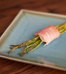 Prosciutto Wrapped Roasted Asparagus with Artichoke and Pepper
