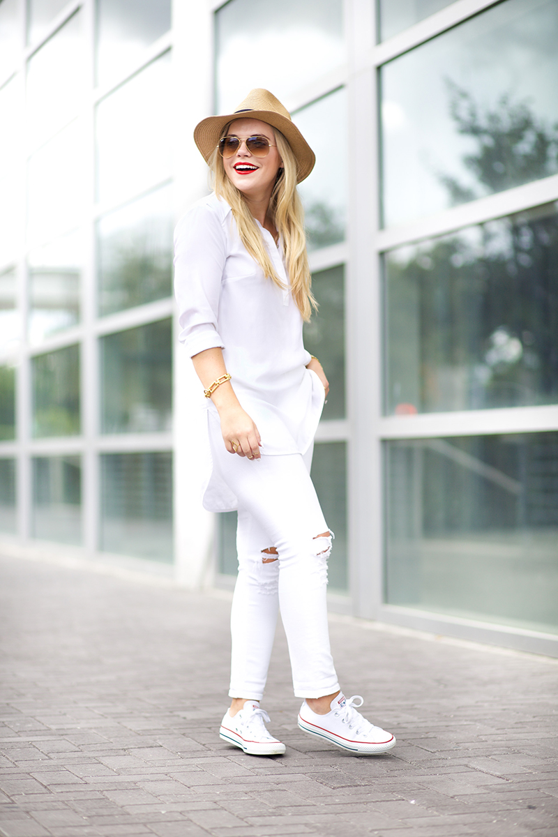 Casul-White-on-White-Outfit.jpg