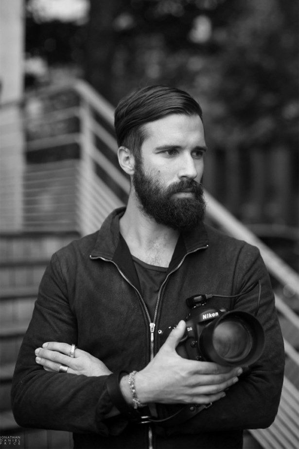Celebrated street style photographer Adam Katz Sinding is in town to shoot all the action at Mercedes-Benz Fashion Week Australia, as an official guest of Sunglass Hut. Here, he give us the low-down on what a photographer looks for in a star street style ensemble.