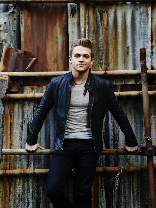 "Hunter Hayes - Part of the ""2Steps2Minutes"" campaign mentioned."