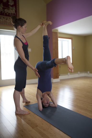 Eliot and Cathia Headstand Assistancce-134.jpg