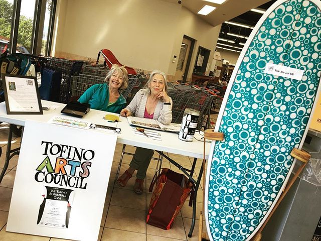 The gals at it again, slangin tickets for the upcoming #Tofinoboardwalk Gala happening May 26. Do you have yours yet? ••• #artcollector #tofinoart #yourtofino #tofinoevents #surf #creativecollective #makersmovement #artistsofinstagram