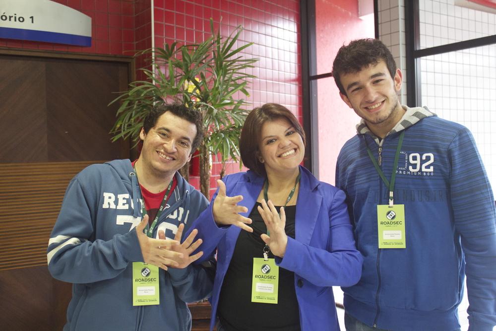 Participantes de Curitiba com a intérprete