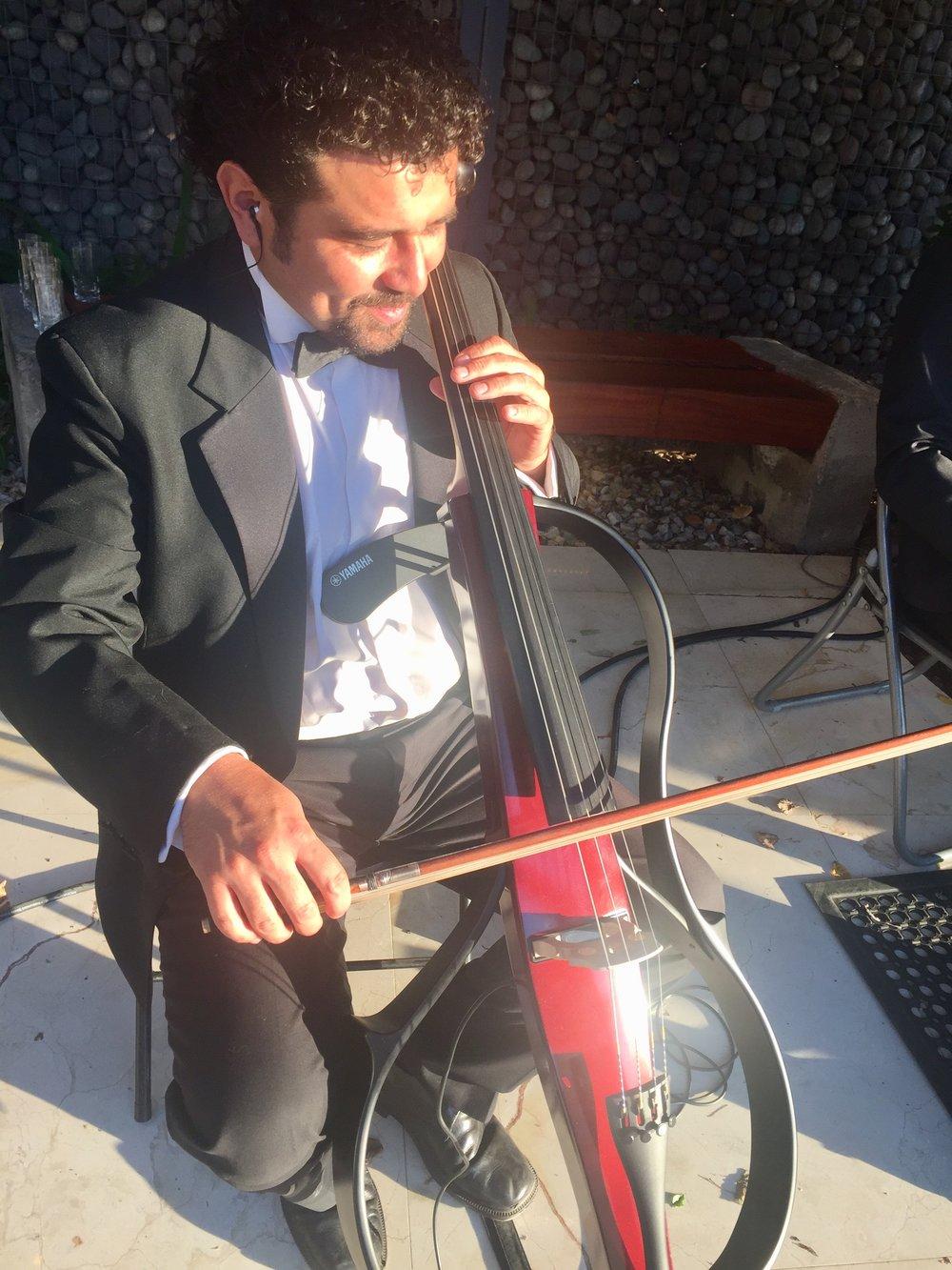 cello electrico cellista violinistas violinista musicos eventos chile cuarteto de cuerdas