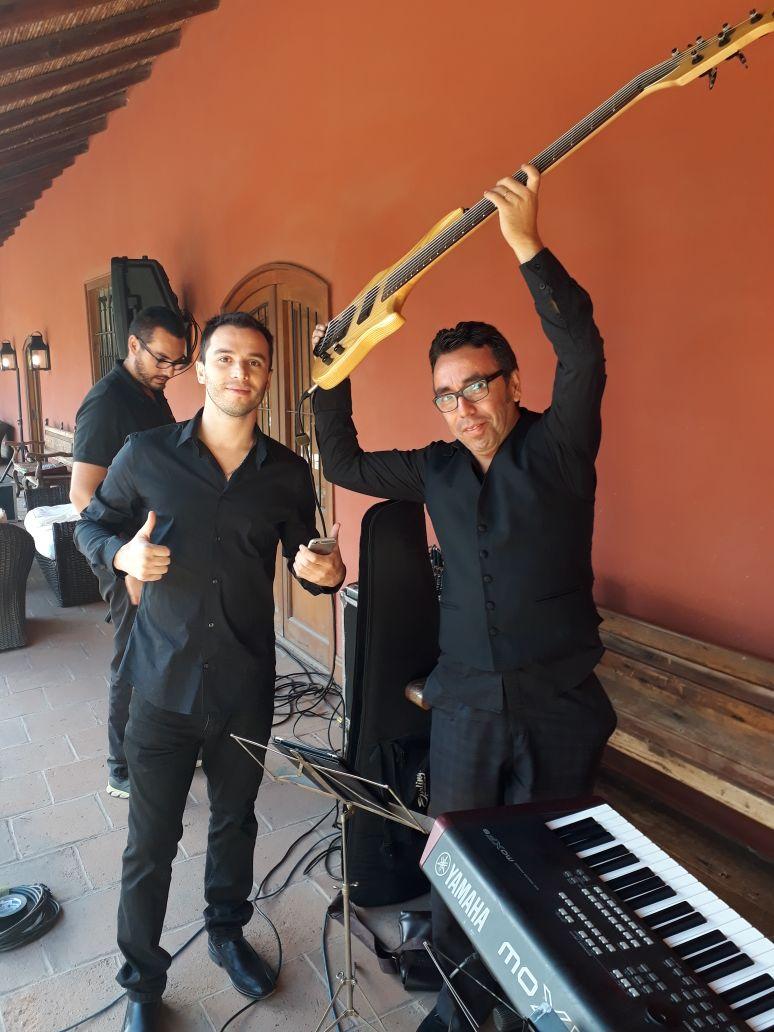musicos para eventos viña santa rita coctel chile musica en vivo
