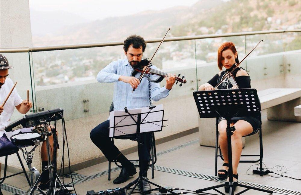 Electroclásicos Chile Cuarteto de cuerdas eléctrico Músicos para eventos chilenos