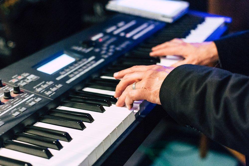 músicos para eventos chile música en vivo cantantes instrumentos pianista