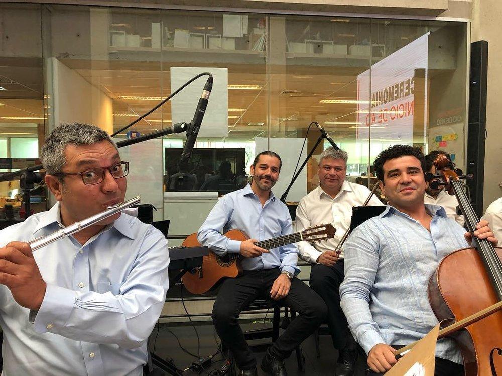 Musicos para eventos Agez Chile