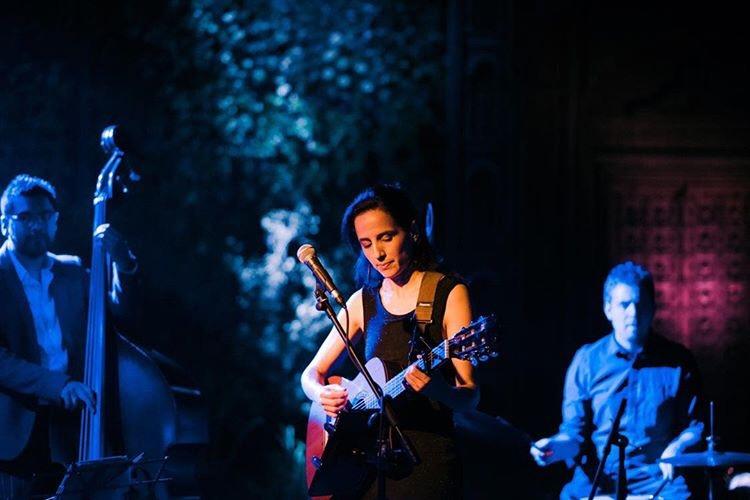 Músicos y cantantes para eventos Agez Chile