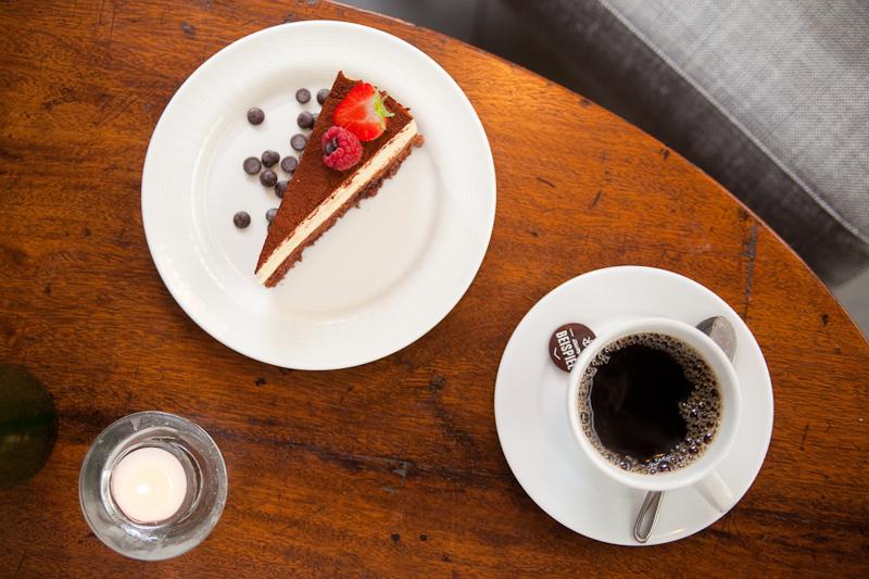 kahvia ja kakkua.jpg